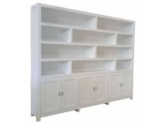 Witte designkast XL ongelijke vakken 300 x 240cm