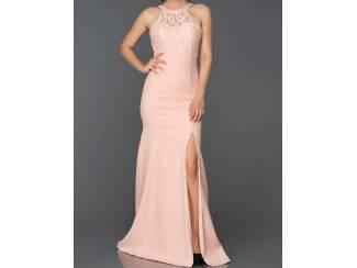 Prachtige nieuw jurk met split