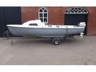 Kajuitboot 510 met Yamaha 9.9 pk 4 takt en trailer