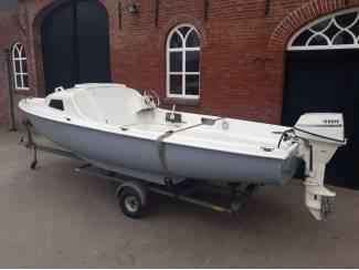 Motorboten Kajuitboot 510 met Yamaha 9.9 pk 4 takt en trailer