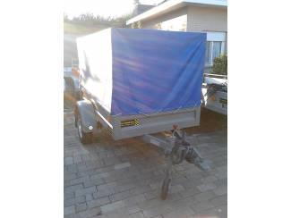 Aanhangwagen met huif