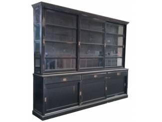 Buffetkast X: Maarn zwart geschuurd 300 x 240cm