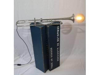 Exclusieve design verlichting - cavalerie trompet inclusief kist