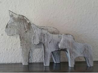 Houten paarden beelden