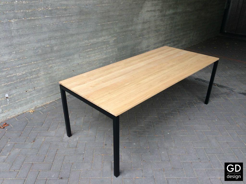 Moderne Eikenhouten Eettafel.Moderne Eiken Tafel Met Zwarte Poten Alle Afmetingen