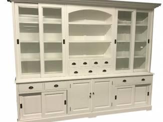 Sfeervolle grote witte buffetkast 300 x 230cm
