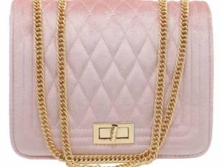 Roze clutch van velvet van het merk brakelenzo nu 24.99