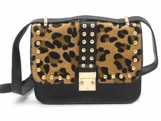 Zwarte clutch met studs en luipaard print van het merk brakelenzo