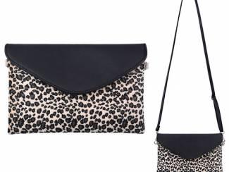 Beige/zwarte clutch met luipaardprint van het merk brakelenzo