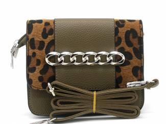 Groene clutch met luipaard print van het merk brakelenzo nu 24.99