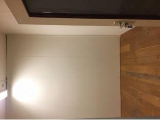 Betaalbare bedrijfsruimte voor fotostudio of opslagruimte te huur
