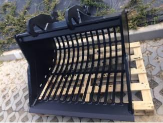 Puinbak, diverse bakken,aanbouwdelen, uitrusting graafmachines
