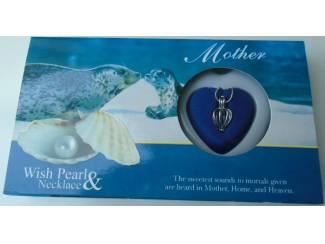 UNIEK GIFT LOVE PEARL MOTHER IN PRACHTIGE VERPAKKING