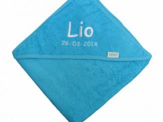 badcape blauw met geborduurde naam