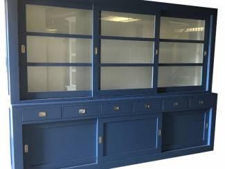 Buffetkast Hasselt blauw - wit 300 x 50/40 x 220cm RVS beslag