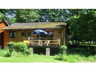 Ardennen omg La Roche 6 pers privé Chalet op vak park a/d Ourthe