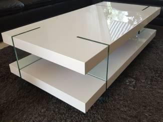 Luxe hoogglans witte design salontafel met glazen poten NIEUW