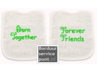Tweeling:Set slabbetjes: born/friends