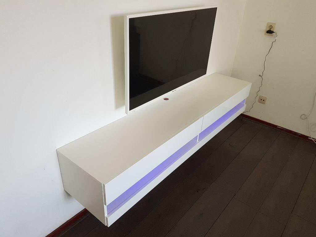 Zwevende Tv Kast Kopen.Modern Zwevend Tv Meubel 180 Cm Met Led Diverse Kleuren Nieuw