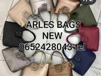 AANBIDINGEN   ARLES  BAGS