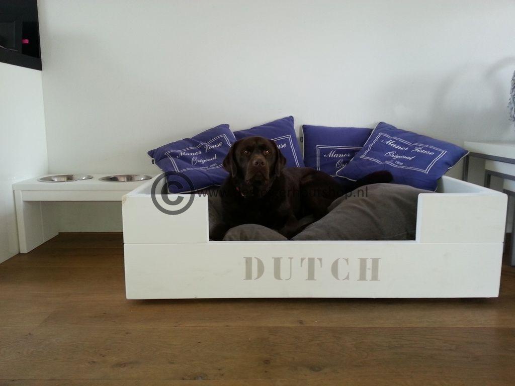 Hondenmand modern design, model Dutch