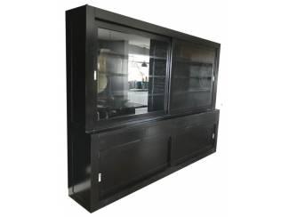 Zwarte design buffetkast greeploze laden 300 x 220cm