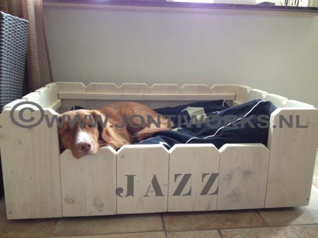 Steigerhouten hondenmand model Jazz