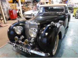 Triumph 2000 Roadster 1949 zwart