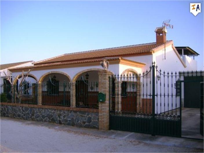 Te koop Chalet,Puente Genil /Andalusië /Puente Genil 105->98.000