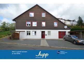 Bijzonder vrijstaand huis met appartement en garage