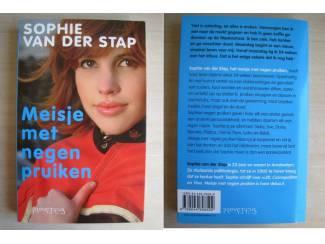 267 - Meisje met de negen pruiken - Sophie van der Stap