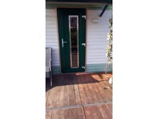 Kunststof voordeuren, vele kleuren en varianten