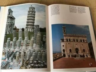 Boek Italië .Prachtig exemplaar eventueel een reis te boeken