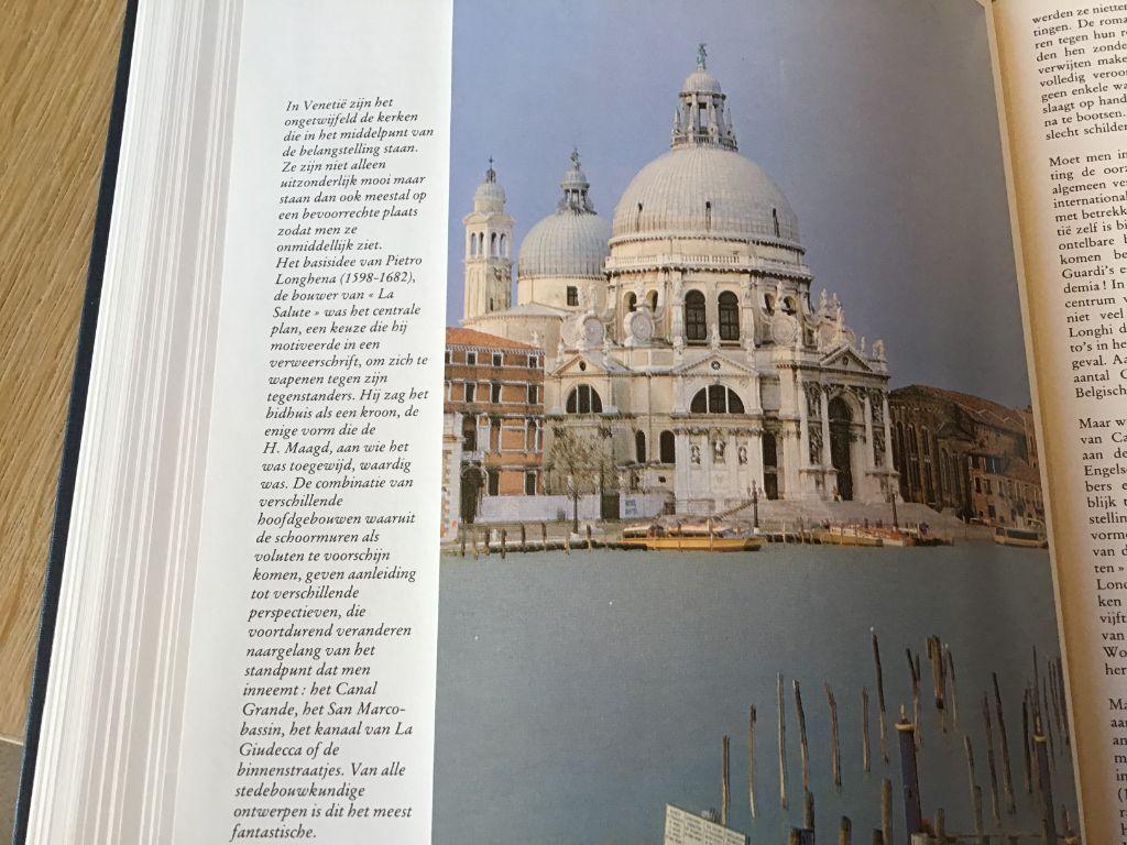 Venetië ;Boek ,prachtig exemplaar,mooie foto,s en grondige tekst