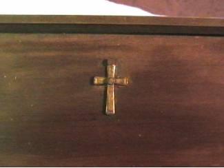 Accessoires en Decoratie Spreuk gebrand op houten plank en eigen haard is goud waard