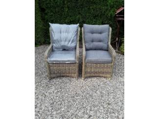8 nieuwe wicker stoelen met kussens