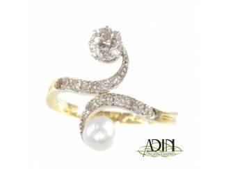 Verlovingsring met prachtige parel en diamant