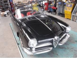 Alfa 1300 Spider 750 (black!) 1960
