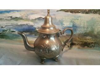 Theepot: Alouaf te Mazem, 1950-60, 23cm, nikkel, patina