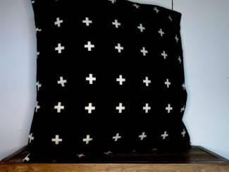 Kussenhoes Nordic Kruisjes | Zwart | Scandinavisch | 45 x 45 cm
