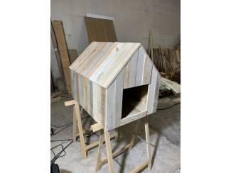 Hondenhok hout van reclaimed wood