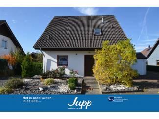Vrijstaande een familie huis met tuin en garage Kerpen (10)
