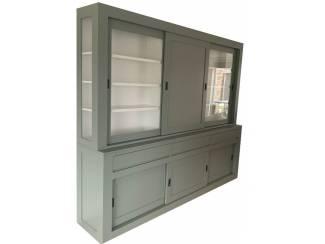 Buffetkast Engels groen - wit Assen 260 x 220cm dichte deur