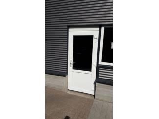 Kunststof achterdeuren, volglas, borstwering, wit of kleur