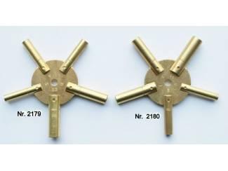 2179 en 2180 Stersleutels voor klokken.