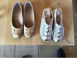 2 Paar schoenen , één nieuwe en één gebruikte maat 36