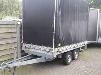 Aanhangwagen met huif XXL