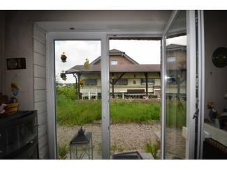 Buitenland Klein bakstenen woonhuis met tuin Wershofen (3)