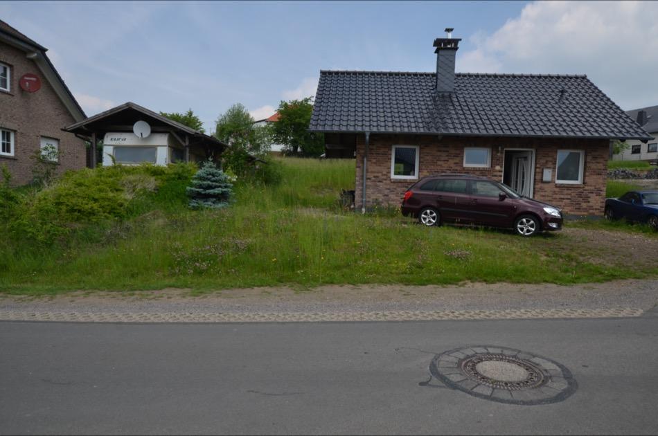 Klein bakstenen woonhuis met tuin Wershofen (3)