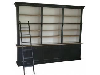 Boekenkast zwart - eiken schappen met trap Reewijk 260 x 240cm